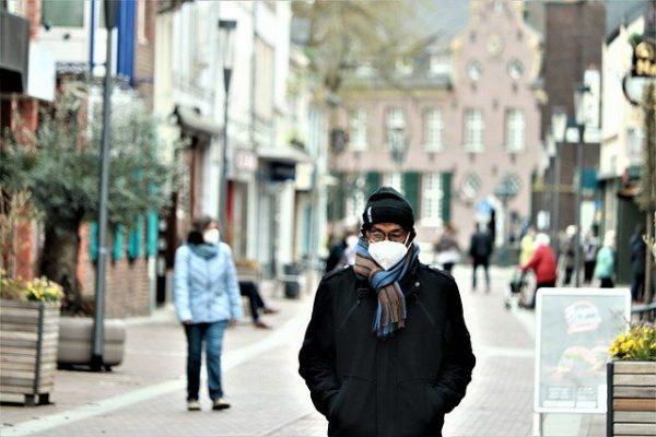 Man Facemask Covid Road Mask  - Caniceus / Pixabay